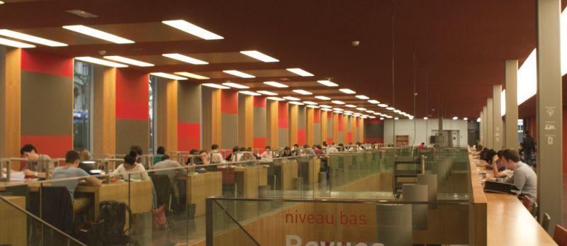 Salle_de_lecture_escalier